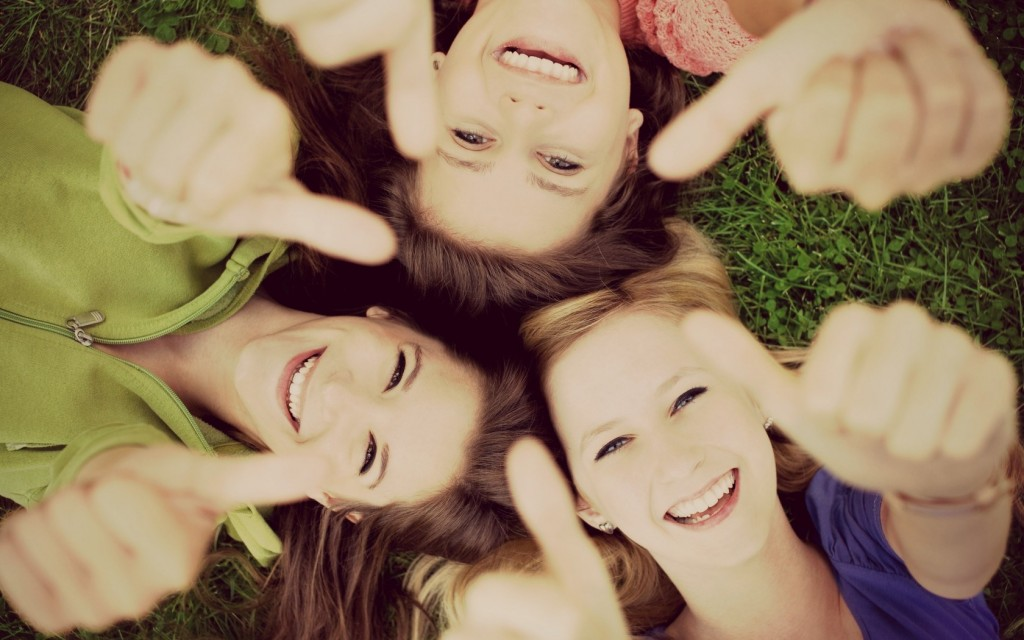6989041-mood-girls-smile-happiness-nature